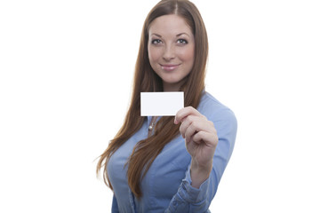 Businesslady zeigt ihre Visitenkarte