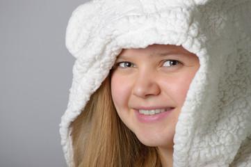 Portrait mit Plüschmütze