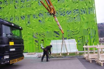 camion-grue sur un chantier