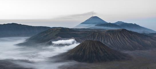 Volcans Bromo, Semaru et Batok