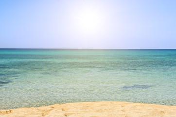 Las aguas del Mediterráneo en Menorca, España