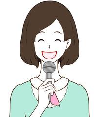 女性レポーター 笑顔