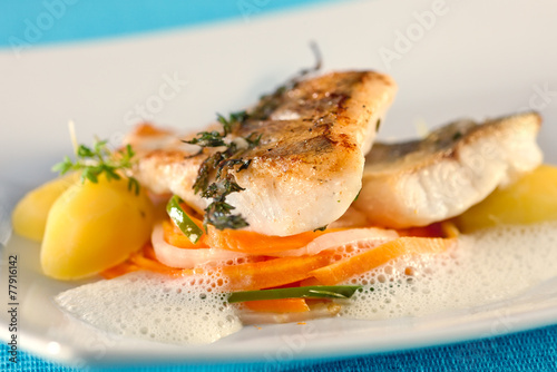 Papiers peints Poisson White perch, fish fillet.