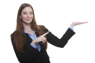 Produktpräsentation Geste: Frau präsentiert etwas