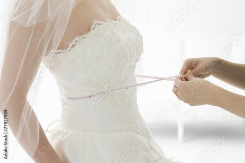 Tailor-made wedding dress © Monet