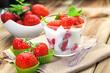 canvas print picture - Erdbeeren und Joghurt