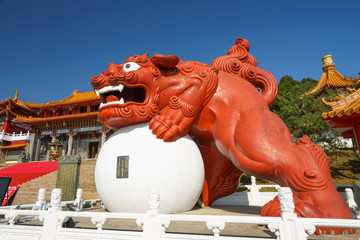 Lion statue at Famous Wenwu Temple