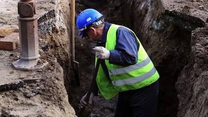 Worker digger