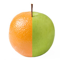 apple combined from green apple and orange