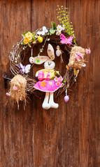 Porte décorée couronne de Pâques