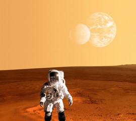 Astronaut Spaceman Mars Planet