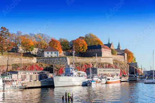 Zdjęcia na płótnie, fototapety, obrazy : Akershus fortress on autumn day at sunset