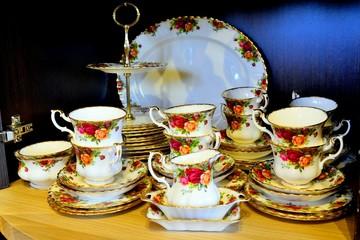 Legendary china porcelain tea set Country Roses