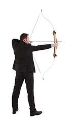 Bogenschütze mit gespannter Bogen, seitlich