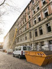 Sanieren von Wohnhäusern 08416