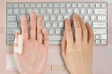 painful finger while prolonged use of computer keyboard