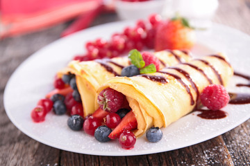 crepe with berry