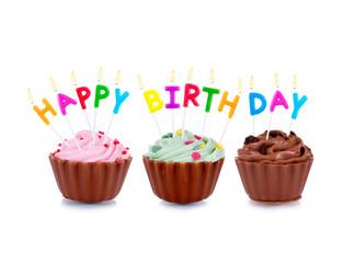 Cupcakes mit Happy Birthday Schrift