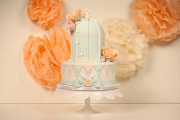 bird cage shape wedding cake