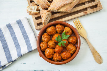 meat balls with tomato