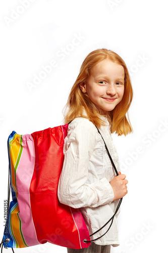 Leinwanddruck Bild Maedchen mit Einkaufstasche
