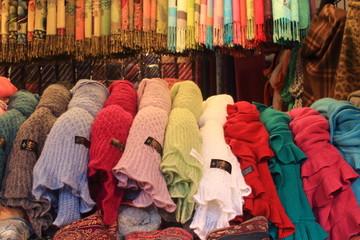 vestiti tessuto artigianato locale