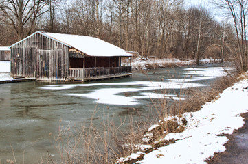 old structure on erie canal