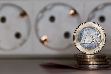 Anstieg der Energiekosten - Strom ist Luxus