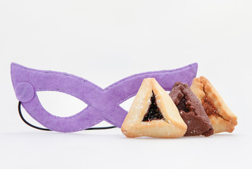 Traditional Jewish holiday - Purim Hamantaschen and mask