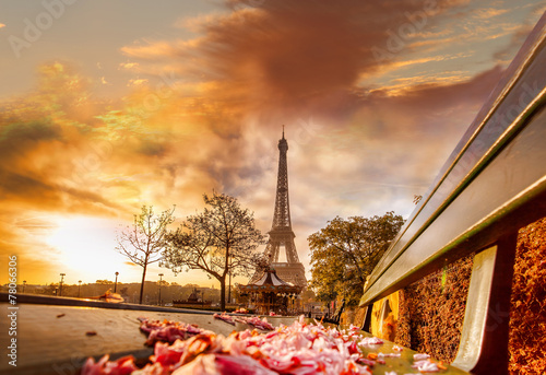 Poster, Tablou Eiffel Tower during beautiful  spring morning in Paris, France