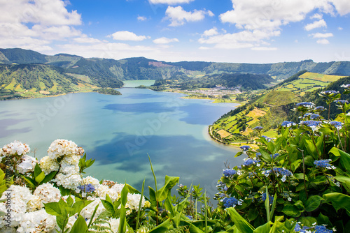 Foto op Aluminium Eiland Lake of Sete Cidades with hortensia's, Azores