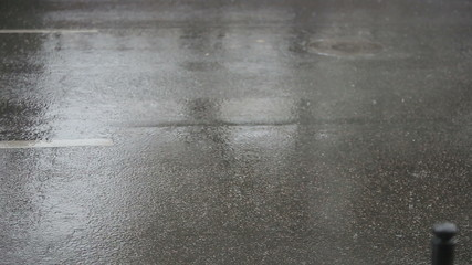 The movement of cars during a rain