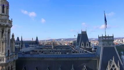 Rathaus Wien, Flug über die Dächer
