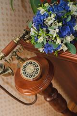 букет и телефон