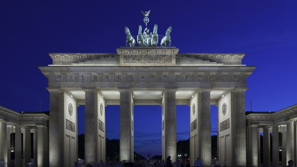 4K Time lapse zoom out Brandenburg Gate at sunset, Berlin