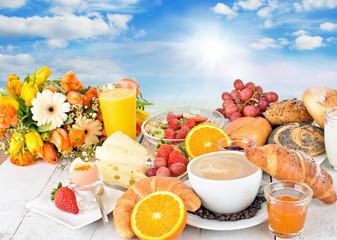 Guten Morgen Sonnenschein: Leckeres Frühstück im Freien :)