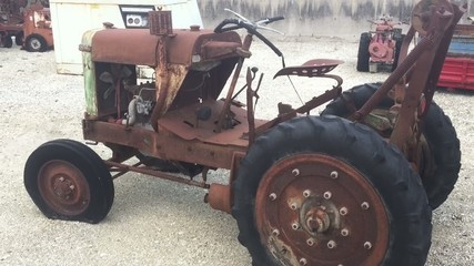 Vecchio trattore
