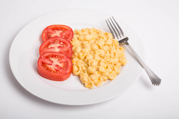 Sliced Tomatoes with Mac and Cheese