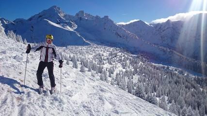 Skifahrer im Hochgebirge
