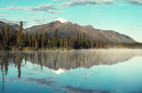 Foto op Canvas Landschappen Lake on Alaska