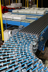 Conveyor rollers line