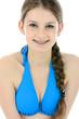 Teen in Bikini mit Braces lächelt