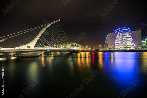 Poster Samuel Beckett bridge in Dublin, Ireland at night