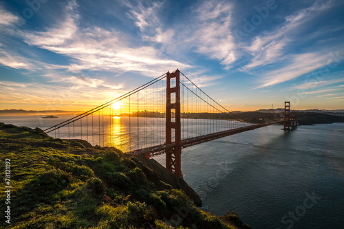 Fotobehang San Francisco Golden Gate Bridge in San Francisco sunrise