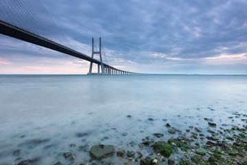 Ponte sobre o Rio Tejo em lisboa