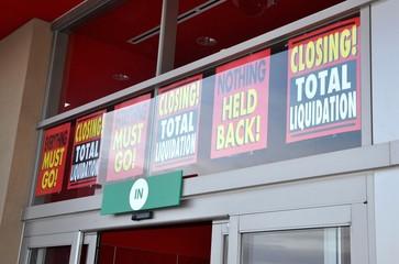 Store liquidation signs