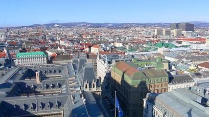 Wien, AKH und Rathaus Dach