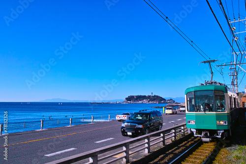 Foto op Plexiglas Japan 江の島と江ノ電