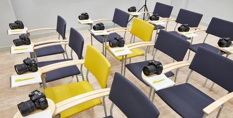 Reflex digital cameras in classroom photoschool