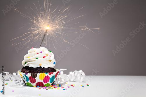 Keuken foto achterwand Dessert Birthday Sparkler Cupcake